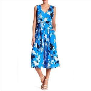 Vince Camuto Jumpsuit Floral Blue V Neck